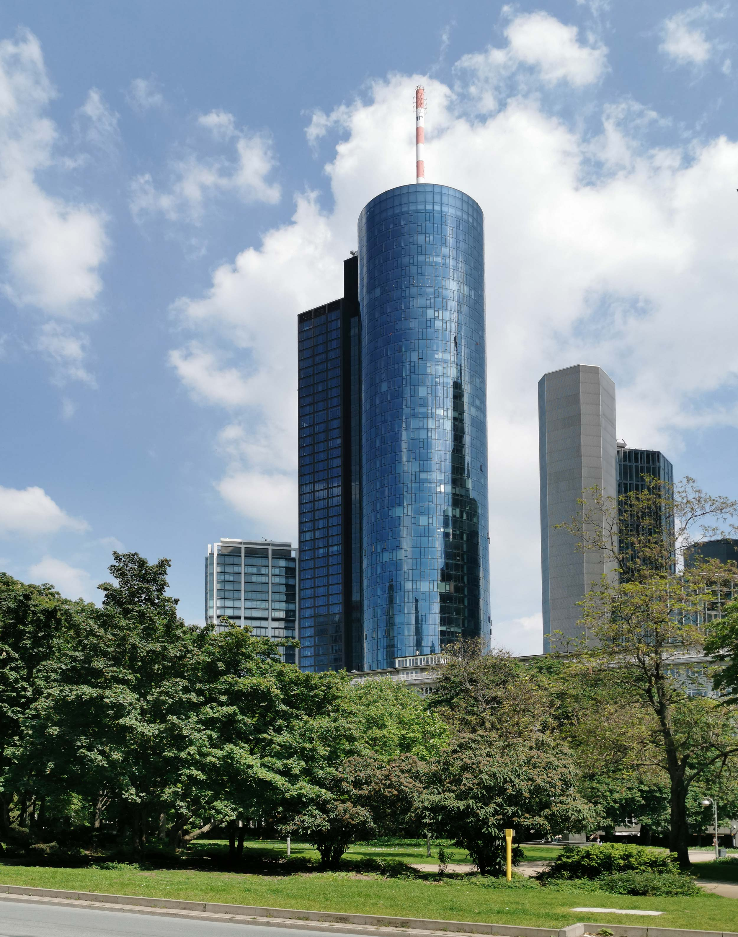 MAIN TOWER in Frankfurt - modern office tower - modern architecture - glass tower